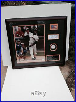 Barry Bonds Signed Autograph Baseball Photo Framed AUTO Giants 25 Hologram COA