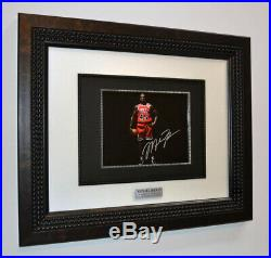 Bulls MICHAEL JORDAN Signed Original Autograph, Frame, Plaque, COA, UACC, Book