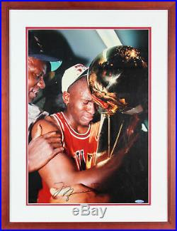 Bulls Michael Jordan Authentic Signed 16x20 Framed Photo Autographed BAS #A76331