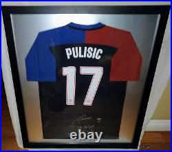 Christian Pulisic Signed Framed USA Jersey Soccer Panini World Cup Dortmund