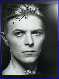 DAVID BOWIE Genuine 10x8 signed photo with coa, Superb ready for framing