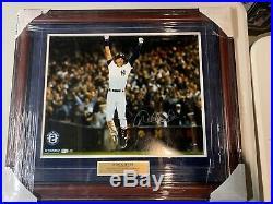 Derek Jeter Autograph Signed Yankees 16x20 Photo Framed Steiner