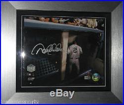 Derek Jeter Signed Original Yankee Stadium Walk Off 8X10 Framed Photo Steiner