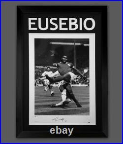EUSEBIO PORTUGUESE SUPERSTAR FRAMED SIGNED PHOTOGRAPH SUPERB ITEM £99 or Offer