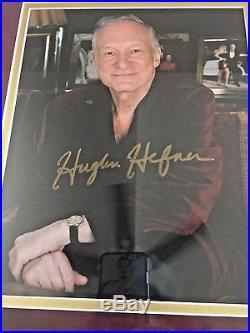 HUGH HEFNER Signed Original Photo VINTAGE PLAYBOY 1999 Mansion Invitation-FRAMED