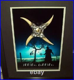 Jeepers Creepers Autographed Framed Photo Throwing Star withCOA prop statue figure