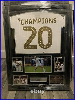 Leeds United Framed &Hand Signed Picture Champions Shirt