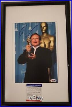 Legendary Comedian Robin Williams signed 8x10 Photo PSA DNA (Framed)
