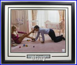 Margot Robbie Signed Framed 16x20 The Wolf Of Wall Street Photo JSA