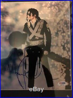 Michael Jackson Signed Psa/dna #q02731 Framed Photo With Ticket Stub