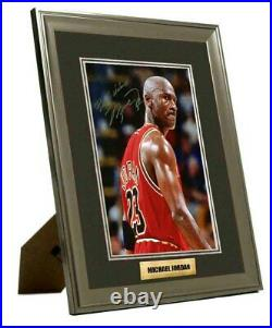Michael Jordan Hand Signed Framed & Mounted Photo Great Gift UACC COA