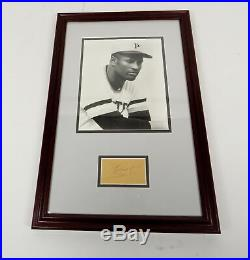 ROBERTO CLEMENTE SIGNED FRAMED PHOTO PITTSBURGH PIRATES with COA