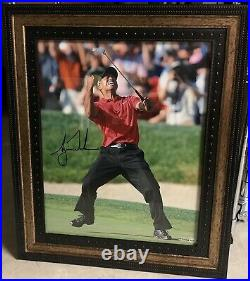 TIGER WOODS Signed Framed 16x20 Photo Upper Deck UDA Coa Authenticated Auto